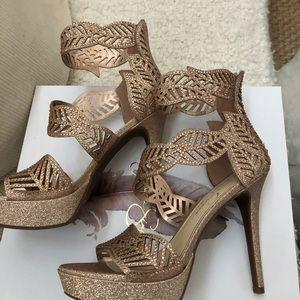 070ebd147c2 Jessica Simpson Shoes - NIB Jessica Simpson Bonilynn Moët glitter. 7.5
